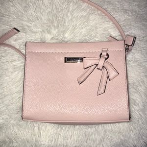 Pink Tahari Purse 🎀